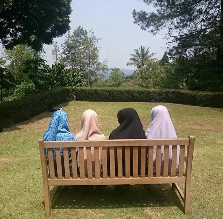 Muliakan Diri Dengan Hijab