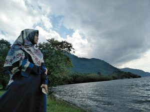 Perempuan Milenial Yang Terbelakang