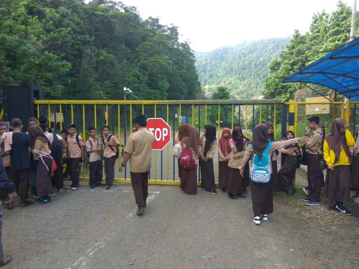 Pelajar Luwu Timur Demo PT Vale Indonesia