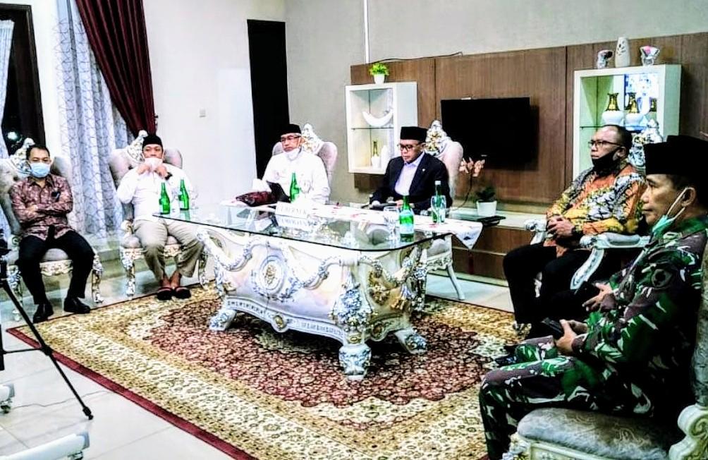 Kunjungi Luwu Timur, Gubernur Sulsel Beri Sejumlah Bantuan Medis