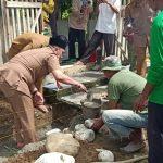 Irwan Bachri Syam Letakan Batu Pertama Pembangunan Musholla, Serta Sumbang 100 Sak Semen dan 130 Al Qu'ran