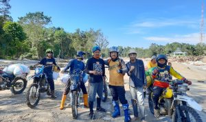 Komunitas Motor Trail Vetrac KampungMX, Bonceng Logistik Ke Titik Bencana Terparah