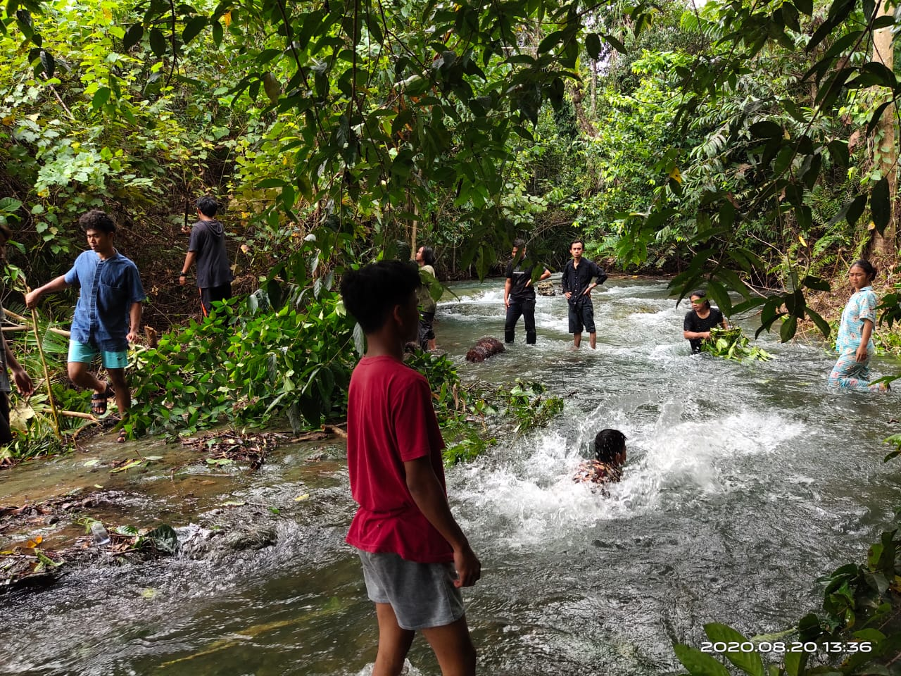 Sukses Meriahkan Hari Kemerdekaan, Pemuda BMB Gelar Penerimaan Hadiah di Wisata Sungai Balambano