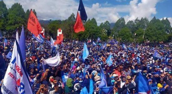 Diantar Puluhan Ribu Masyarakat Daftar di KPUD, Rio Terharu dan Ucapkan Terimakasih
