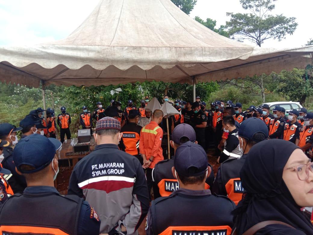 Kenang Ketua DPRD Lutim, Maharani Syam Group Gelar Upacara Penghormatan