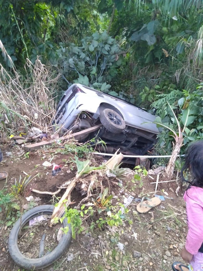 Tidak Ada Rambu Jalan, Mobil ini Kecelakaan Karena Kerikil Lepas di Dusun Balambano