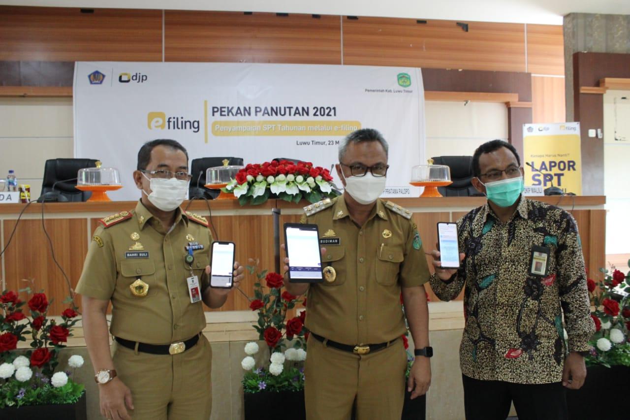 Pekan Panutan, Wabup Budiman Lapor SPT Tahunan Melalui E-Filing