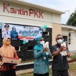Bupati Budiaman Launching Kantin Binaan PKK, Hj.Sufriaty Semoga Bisa Menjadi Penyumbang PAD